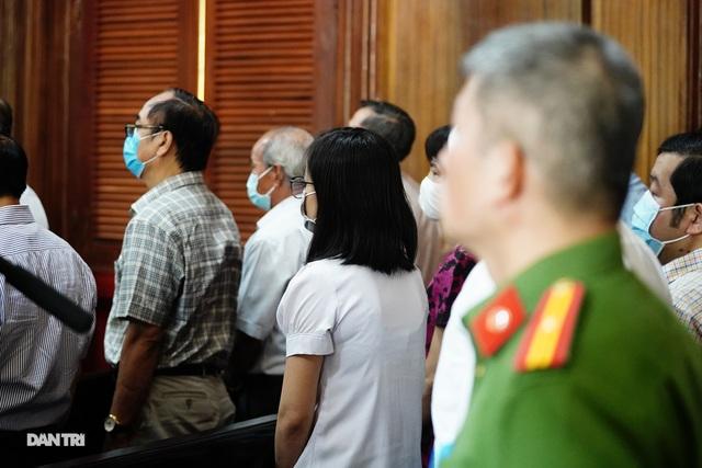 Toàn cảnh buổi đầu tiên xét xử ông Nguyễn Thành Tài và đồng phạm - 18