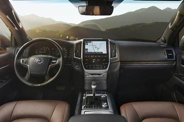 Sao không phải Land Cruiser, mà lại là Lexus LX 570? - 4