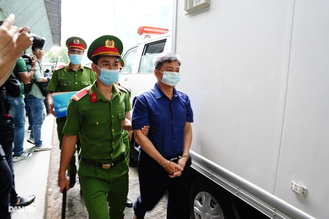 Toàn cảnh buổi đầu tiên xét xử ông Nguyễn Thành Tài và đồng phạm - 3