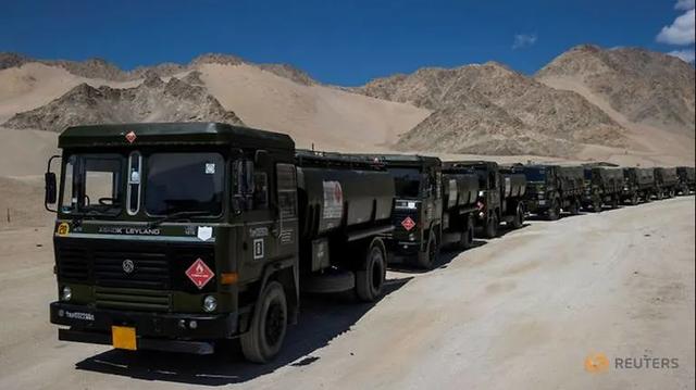 Ấn Độ ồ ạt đưa vật tư tới gần biên giới Trung Quốc - 1