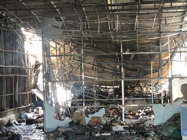 10 phòng trọ và nhà dân bị thiêu rụi sau tiếng nổ lớn - 4