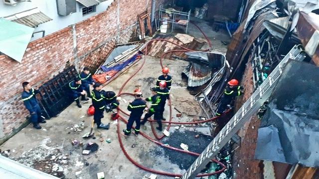 10 phòng trọ và nhà dân bị thiêu rụi sau tiếng nổ lớn - 5