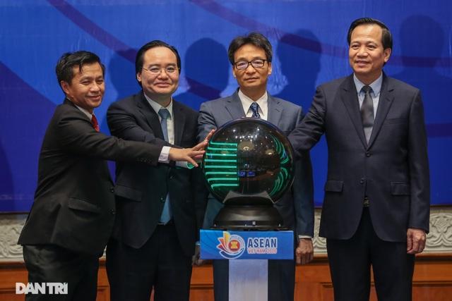 Bộ trưởng Đào Ngọc Dung: ASEAN xác định con người là trung tâm phát triển - 1