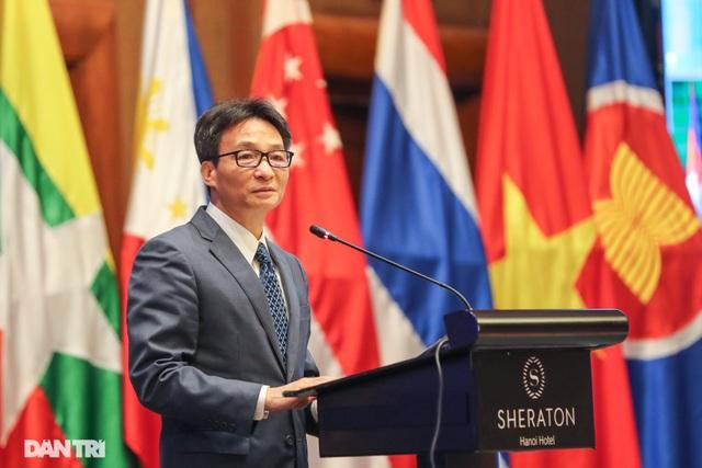Phó Thủ tướng: Covid-19 đã tác động tới 2,7 tỷ lao động toàn cầu - 1