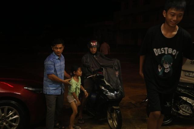 Quảng Trị khẩn trương sơ tán dân đến nơi an toàn trú bão - 1