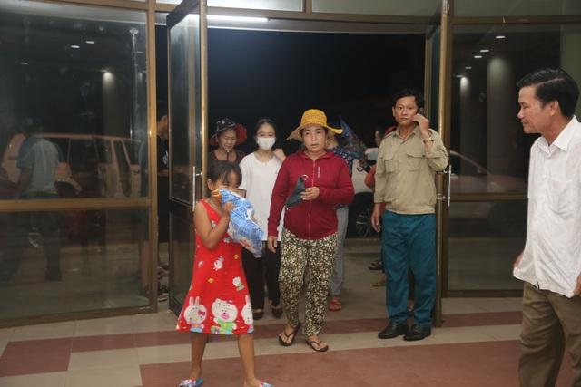 Quảng Trị khẩn trương sơ tán dân đến nơi an toàn trú bão - 2