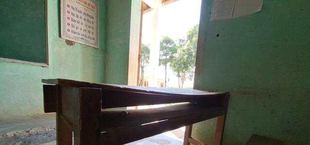 Trường sắp sập đe dọa đến tính mạng của hàng trăm học sinh, giáo viên - 20