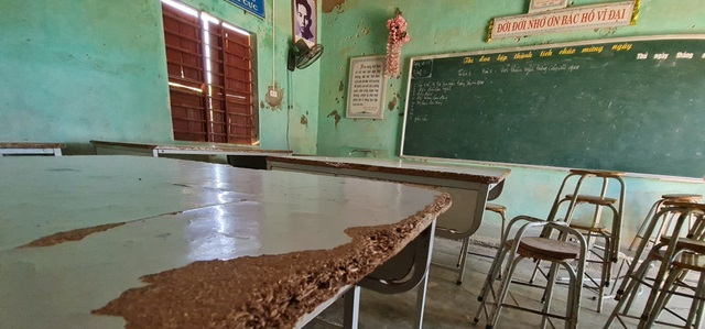 Trường sắp sập đe dọa đến tính mạng của hàng trăm học sinh, giáo viên - 22