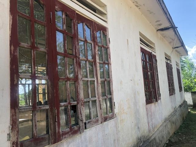 Trường sắp sập đe dọa đến tính mạng của hàng trăm học sinh, giáo viên - 29