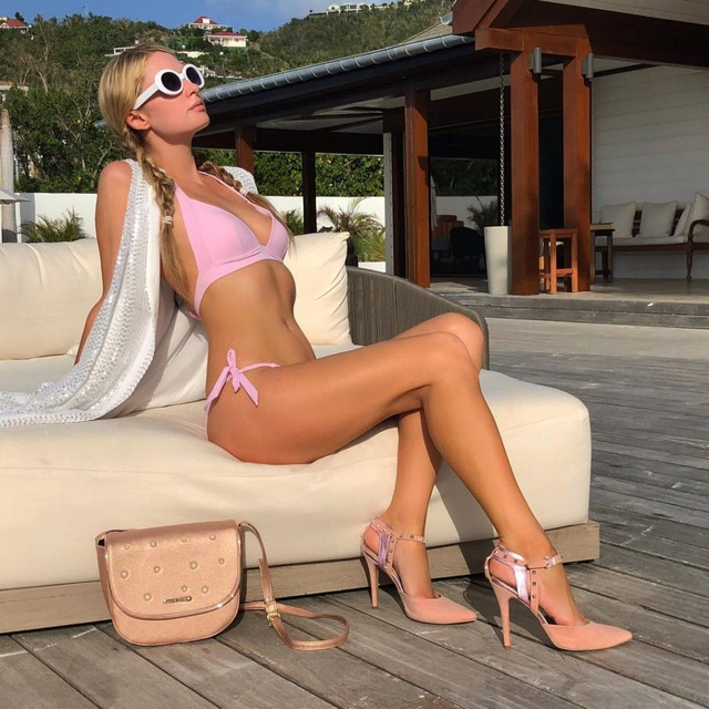 Paris Hilton bị em gái chỉ trích là tham lam - 5
