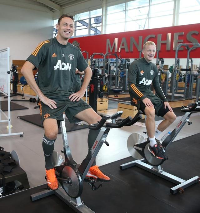Man Utd tích cực luyện công chuẩn bị cho trận gặp Crystal Palace - 16