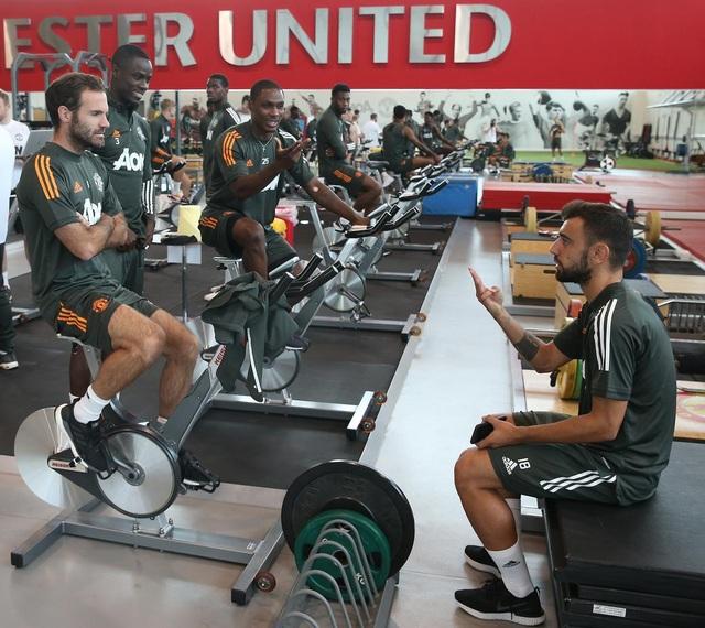 Man Utd tích cực luyện công chuẩn bị cho trận gặp Crystal Palace - 13