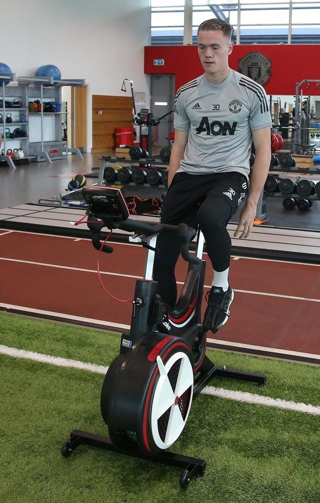 Man Utd tích cực luyện công chuẩn bị cho trận gặp Crystal Palace - 8