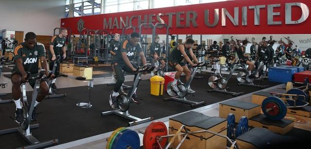 Man Utd tích cực luyện công chuẩn bị cho trận gặp Crystal Palace - 15