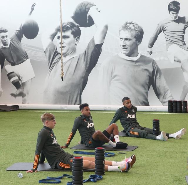 Man Utd tích cực luyện công chuẩn bị cho trận gặp Crystal Palace - 2