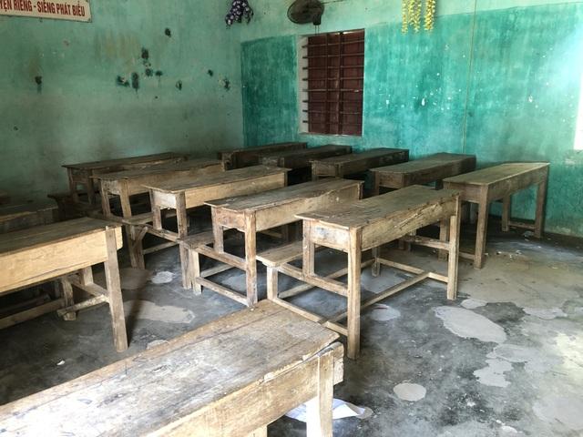 Trường sắp sập đe dọa đến tính mạng của hàng trăm học sinh, giáo viên - 16