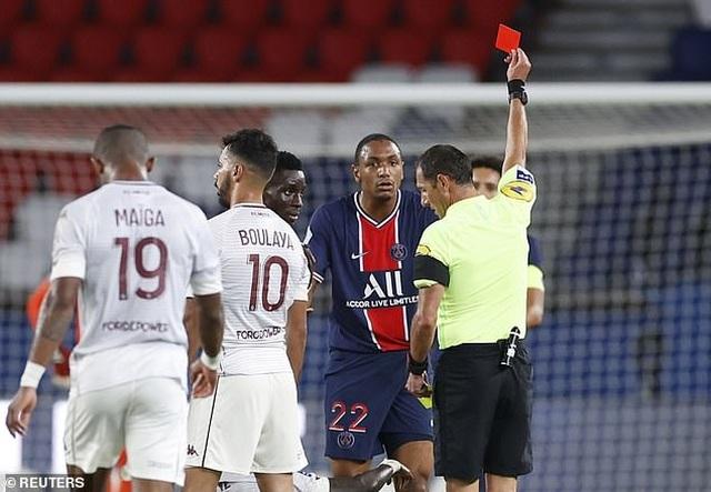 Diallo nhận thẻ đỏ, PSG may mắn giành chiến thắng phút bù giờ - 2