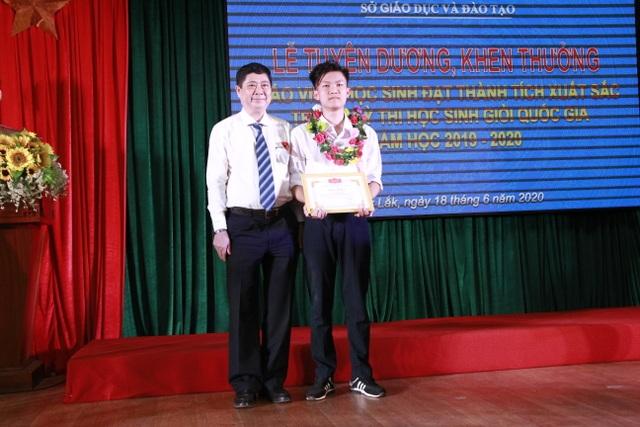 """Nam sinh Đắk Lắk vào chung kết năm Olympia: """"Em sẽ cố gắng hết khả năng!"""" - 5"""
