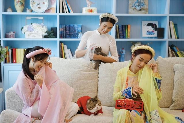 """Hoa hậu Ngọc Hân làm """"đám cưới thế kỷ"""" cho... mèo"""