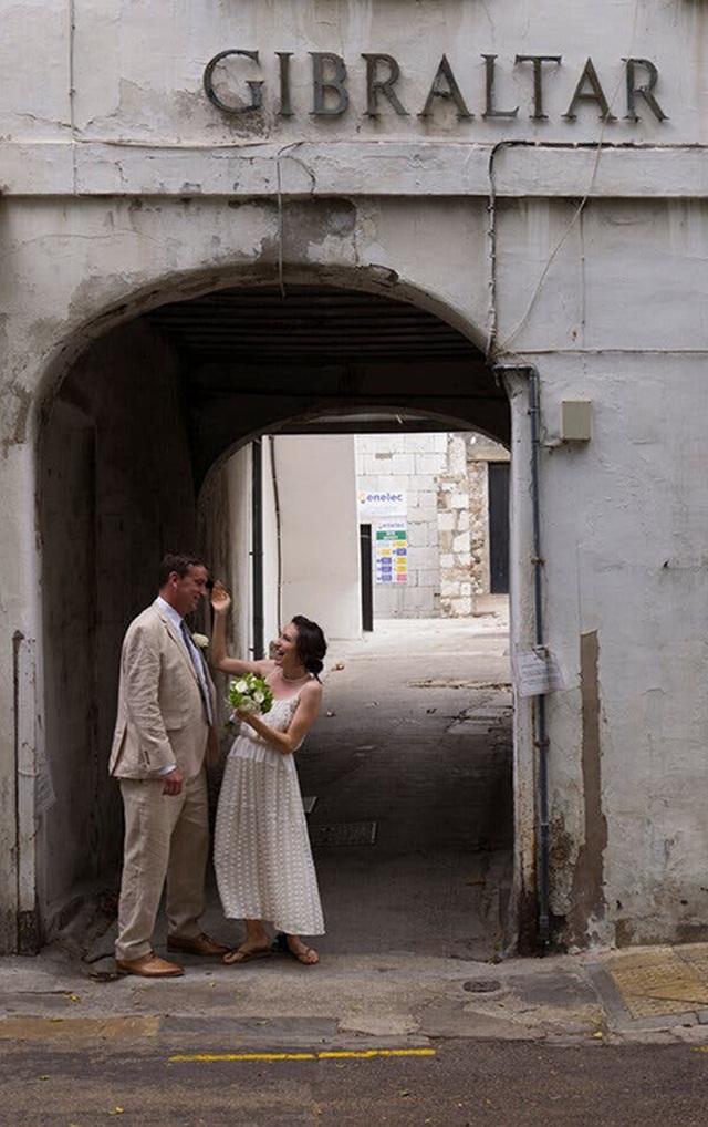"""Cách Gibraltar trở thành """"điểm nóng"""" hôn lễ thời Covid-19 của châu Âu - 4"""