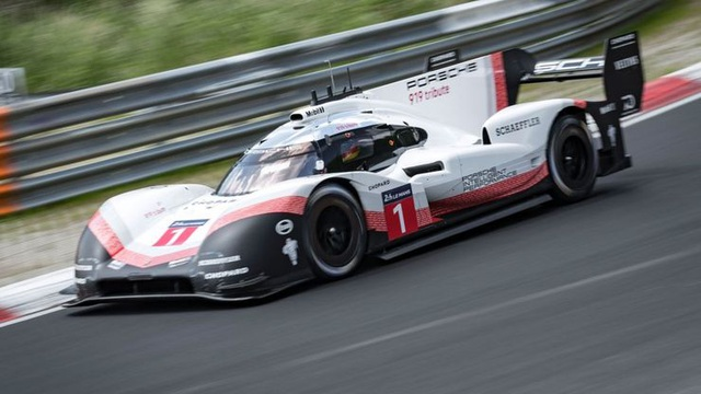 Điểm danh 10 mẫu xe nhanh nhất của Porsche - 10