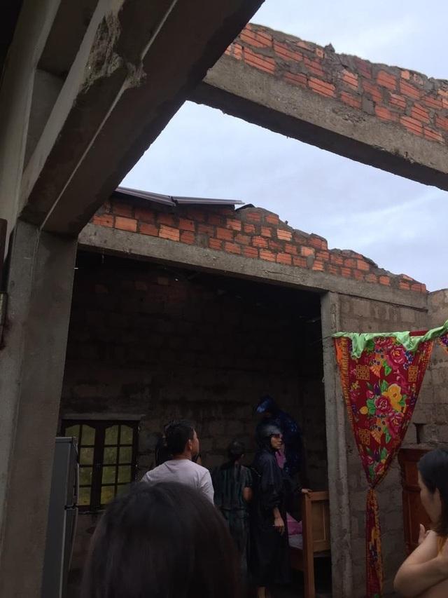 Hai huyện miền núi Quảng Nam bị chia cắt do bão số 5 - 6