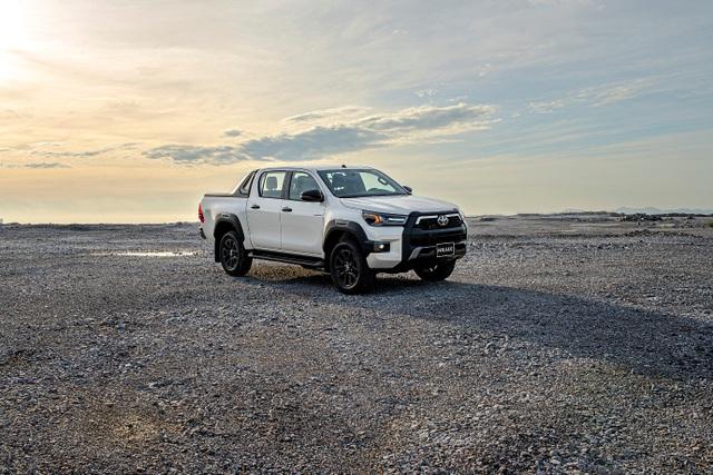Toyota Hilux, Ford Ranger, Mitsubishi Triton: Xe bán tải nào cho khách Việt? - 5