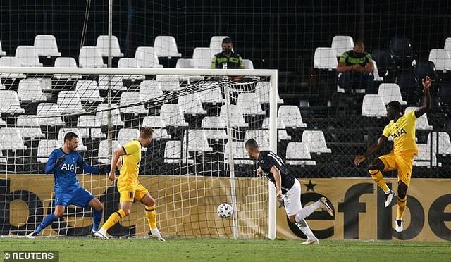 HLV Mourinho chạm mốc 100 trận thắng ở Cúp châu Âu - 2