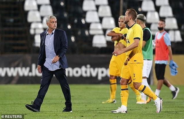 HLV Mourinho chạm mốc 100 trận thắng ở Cúp châu Âu - 11