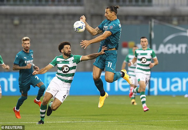 Ibrahimovic ghi bàn giúp AC Milan đi tiếp ở Europa League - 9