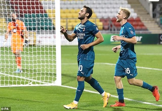 Ibrahimovic ghi bàn giúp AC Milan đi tiếp ở Europa League - 7