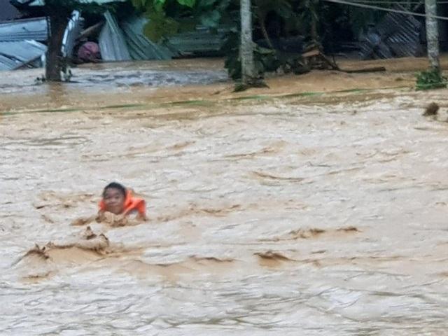 Hai huyện miền núi Quảng Nam bị chia cắt do bão số 5 - 5