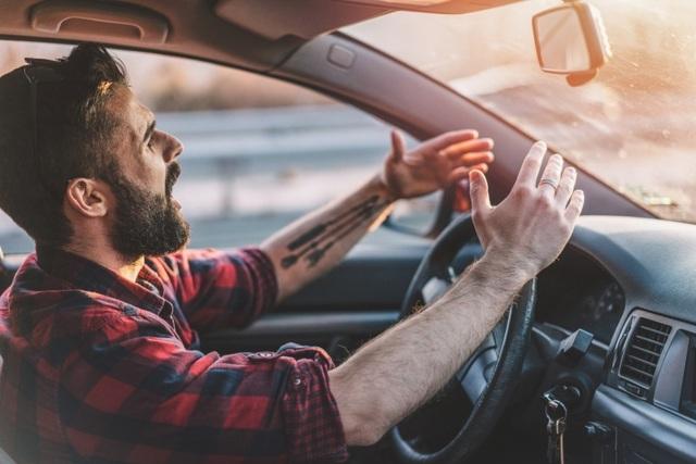 5 sai lầm cơ bản người mới lái ô tô thường mắc phải - 1