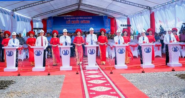 Tuyến đường bộ ven biển gần 2.700 tỷ đồng chính thức khởi công - 1