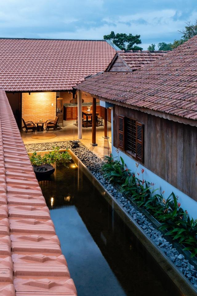 Nhà gỗ truyền thống như biệt phủ xưa của gia đình 3 thế hệ ở Nam Bộ - 9