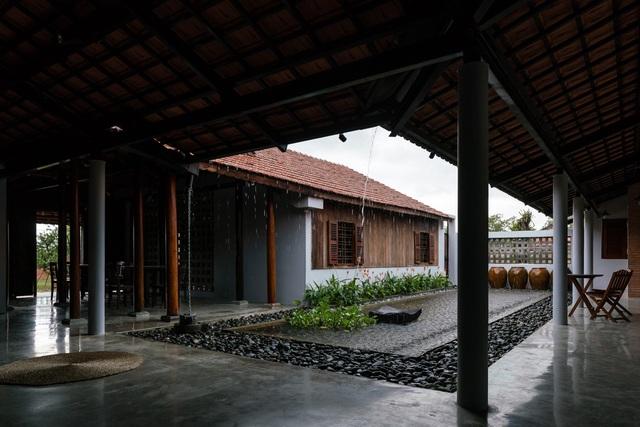 Nhà gỗ truyền thống như biệt phủ xưa của gia đình 3 thế hệ ở Nam Bộ - 12