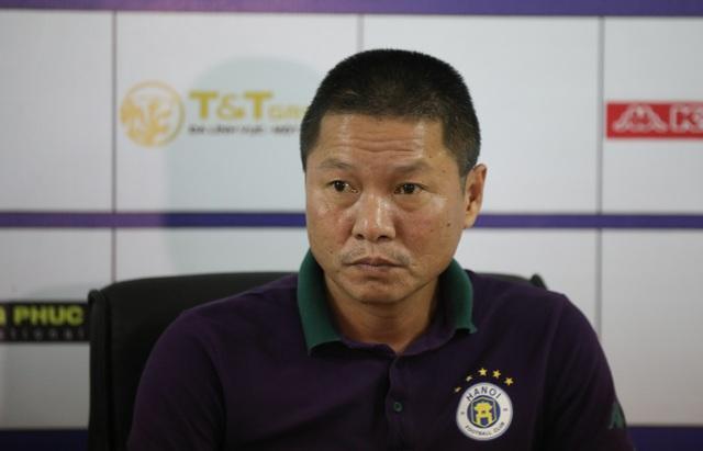 HLV Chu Đình Nghiêm chỉ sợ… trời mưa ở trận đấu với CLB Viettel - 1