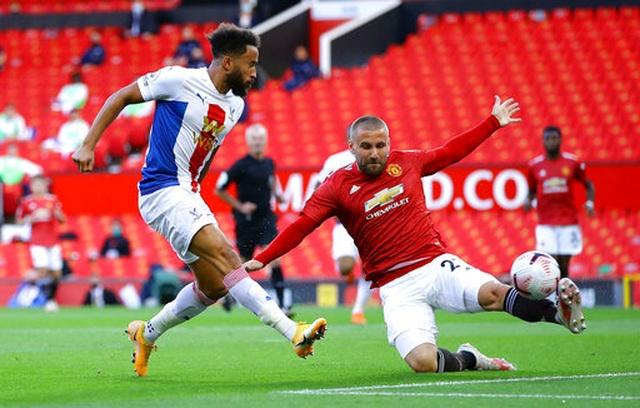 Man Utd 1-3 Crystal Palace: Điểm sáng nhỏ từ Van de Beek - 13
