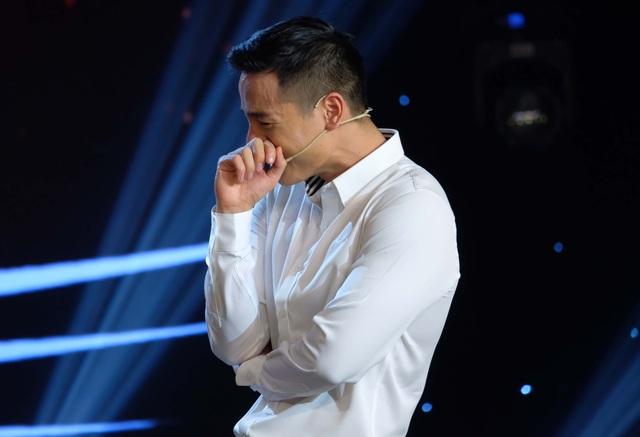 Cao Xuân Tài khóc trên sóng truyền hình - 4