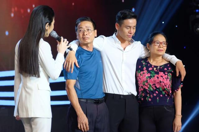 Cao Xuân Tài khóc trên sóng truyền hình - 2