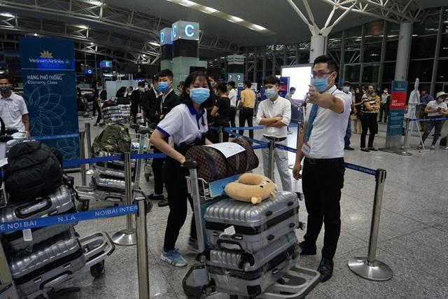 Chuyến bay đầu tiên khai thác thương mại quốc tế sau 6 tháng tạm dừng - 6