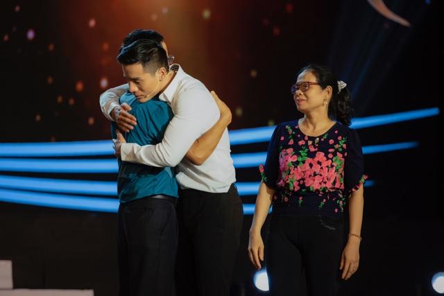 Cao Xuân Tài khóc trên sóng truyền hình - 5