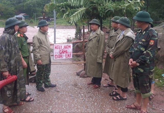 Mưa lớn sau bão số 5 khiến hơn 3.000 người ở Quảng Bình bị chia cắt - 3