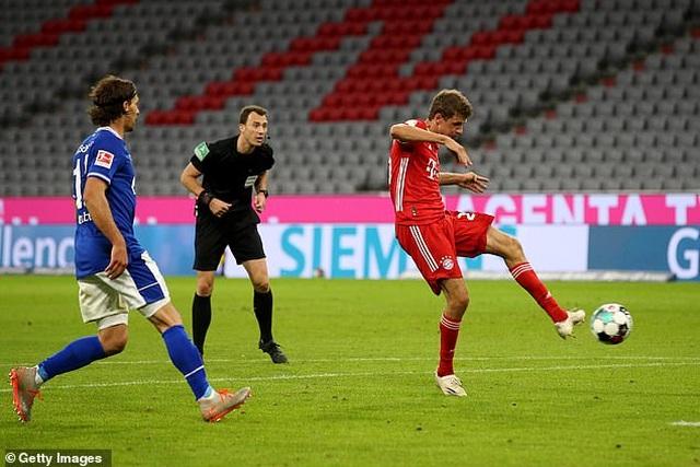 Bayern Munich thắng Schalke 8-0 ở ngày mở màn Bundesliga - 4
