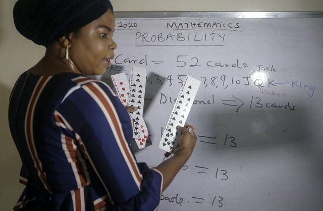 Nigeria: Cô giáo dạy online cho 1.800 học sinh trong nước và quốc tế - 1