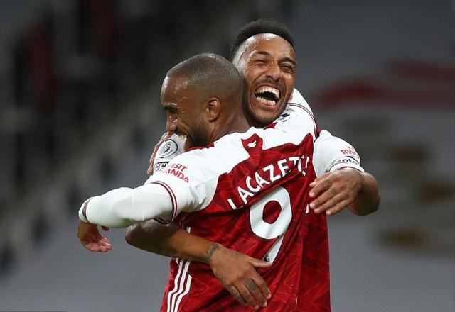 Arsenal vượt qua West Ham nhờ bàn thắng muộn - 1