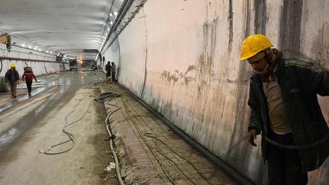 Ấn Độ chi 400 triệu USD đào hầm chuyển quân gần biên giới Trung Quốc - 1