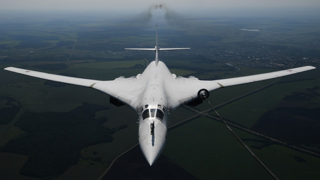 Máy bay ném bom Thiên nga trắng Nga phá kỷ lục thế giới - 1