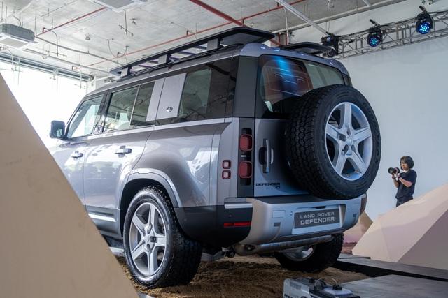 Land Rover Defender giá từ 3,85 tỷ - SUV cho đại gia Việt thích khám phá - 7