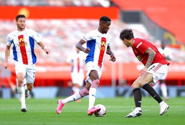 Man Utd 1-3 Crystal Palace: Điểm sáng nhỏ từ Van de Beek - 7